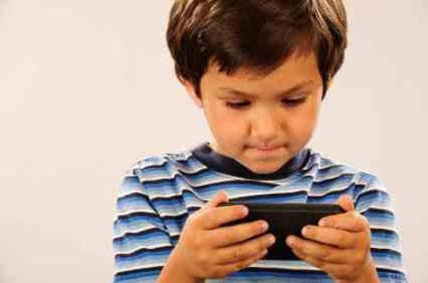 child-on-smartphone__large