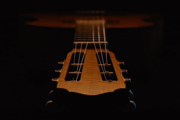Smutne dzieci i milczące gitary- co mają wspólnego.